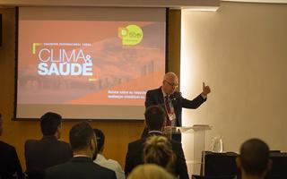 Participantes do Encontro Internacional sobre Clima e Saúde realizado em Brasília